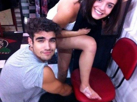 Yahoo: Caio Castro e Giovanna Lancellotti erram tatuagem